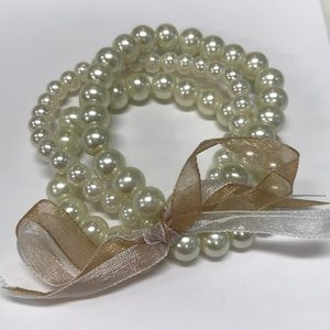 Jewelry - Set of 3 Faux Pearl Stretch Bracelet With Ribbon